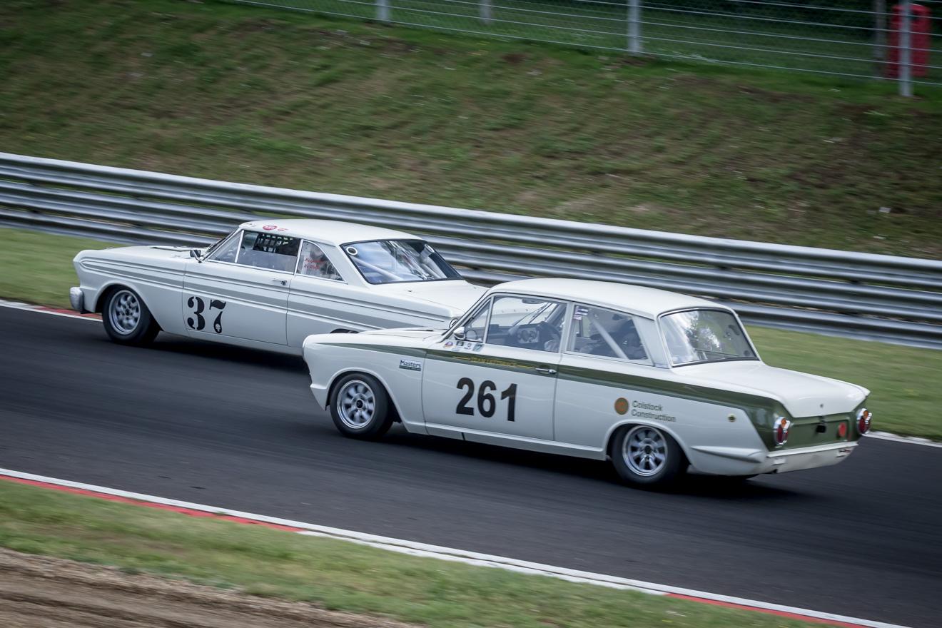 Racing Fords, Falcon verses Cortina